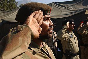 Pakistan ordusu operasyona hazırlanıyor.41960