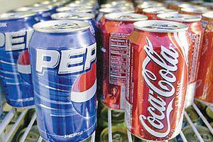 Coca Cola ile Pepsi artık aynı raflarda yer alabilecek.23247