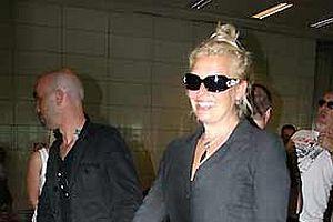 İngiliz şarkıcı Kim Wilde Türkiye'ye geldi.12541