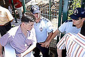 Polis, Mustafa Balbay'ın bilgisayarlarına el koydu.23883