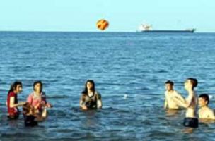 Yaşamlarında ilk kez denizi gördüler.11301