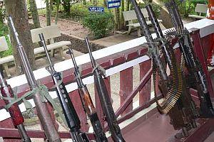 Ergenekoncuların evlerinde yüzlerce silah bulundu.30730