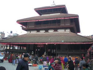 Tapınakta izdiham: 30'u çocuk 68 kişi öldü.50231