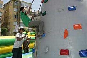Tsunami mağduru çocuklar Küçükçekmece'de.13084