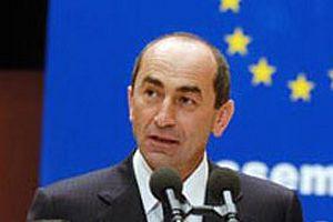 Sarkisyan, G�l'� ma�a davet etti.9324