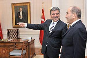 Cumhurbaşkanı Gül, Hilmi Özkök'ü Köşk'te ağırladı.13714