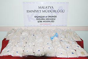 Polis eroin kaçakçılarına göz açtırmıyor.78875