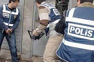 İzmir'de terör örgütü operasyonu: 5 tutuklama.17596