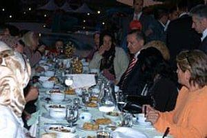 Başbakan, Doğan'ın mevlit yemeğinde.15908