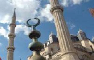 Selimiye Camii'nin bir minaresi eğildi.9950