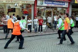 Esnaftan futbollu protesto.15465