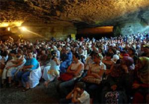 Cehennemağzı Mağaraları'nda konser.14911