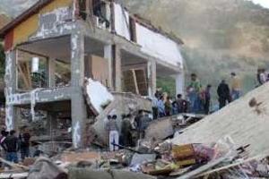 Konya'da çöken yurt binasının ilk fotoğrafları.14183