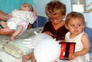 Bu üç miniğin tek suçu doğmak!.12432