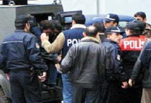 İzmir bombacıları adliyeye sevk edildi.13759
