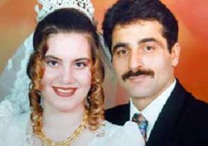 Kocasını bir tekmeyle öldürdü.11227