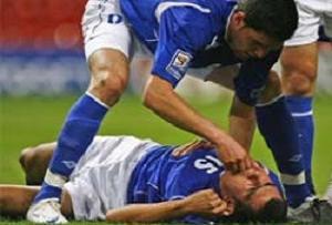 Azeri futbolcunun dili boğazına kaçtı.13059
