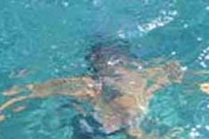 Havuza düşen çocuk boğularak öldü.8986