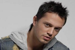 Eurovision anketini Murat Boz kazandı.7743