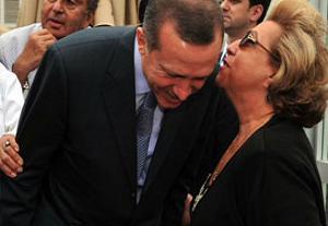 Erdoğan ve Semra Özal Ada'daydı.10552
