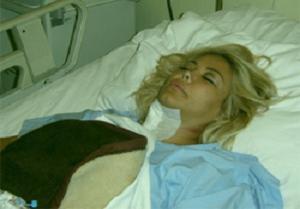 Esra Balamir ameliyat oldu.9493