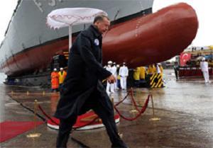 İlk milli savaş gemisi denize indirildi.13162