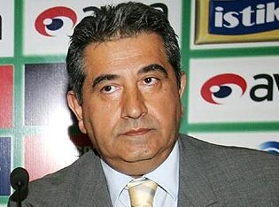 Mahmut Uslu spikeri fırçaladı.19991