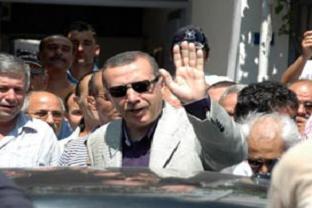 Başbakan'dan yazar Şirin'e ziyaret.13330