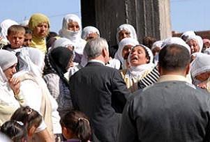 Diyarbakırlı şehit er için Kürtçe ağıt.15431