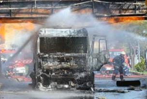 LPG tankeri yangını söndürüldü.13589
