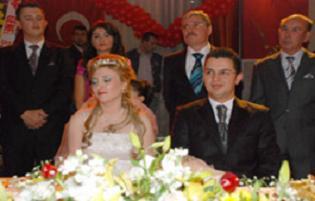 Vekilden kızına eğlencesiz düğün.12138