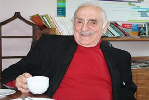 Türkçe'yi en güzel konuşan spiker öldü.11052