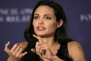 Angelina Jolie hamile! .9017