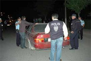 Polis ihtarına uymadı: 5 yaralı.10181