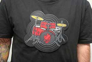 Tişörtünüzle müzik yapın.10265