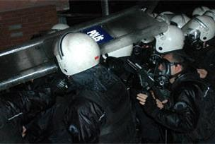 PKK'lılar gösteri yapıyor.11885