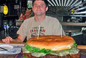 56 kiloluk hamburgeri yedi.15980