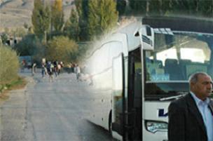 DTP'li göstericiler yolcu otobüsüne saldırdı.11392
