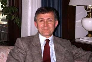 Ahmet Taner Kışlalı anıldı.12507