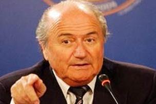 FIFA Başkanı Blatter kaza geçirdi.9572