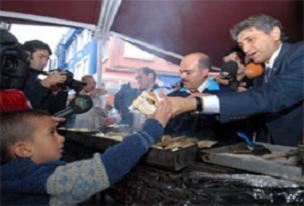 Samatyalılar balık-ekmeğe doydu.12587