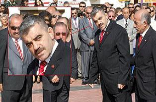 Atatürk anıtını selamlamadılar ortalık karıştı.19925
