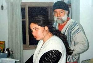 Emekli maaşı içi kayınpederiyle evlendi.12660