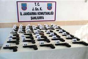 46 adet ruhsatsız tabanca yakalandı.12427
