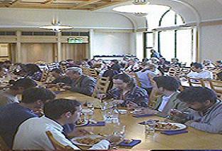 25 öğrenci yemekten zehirlendi .33741