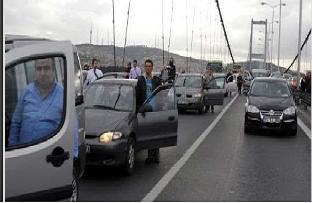 Boğaz Köprüsü'nde saygı duruşu!.13386