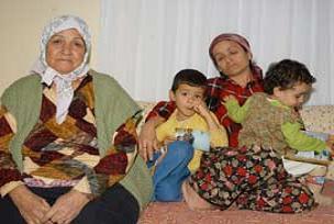 Tutuklu balıkçıların ailesi perişan.14486