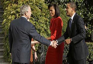 Bush, Obama'dan sonra ellerini sildi.21377