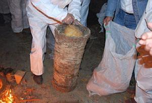 Arı kovanında 300 kilo esrar yakalandı.13744