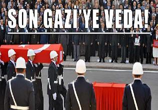 Mustafa'ya cenazede de sahip çıktılar.22012